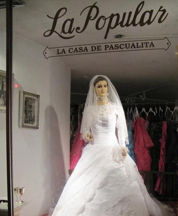 La historia del maniqui vestido de novia