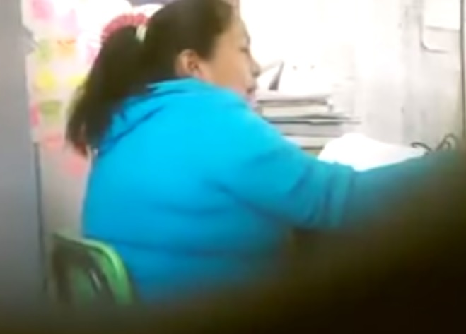 maestra insulta a sus alumnos