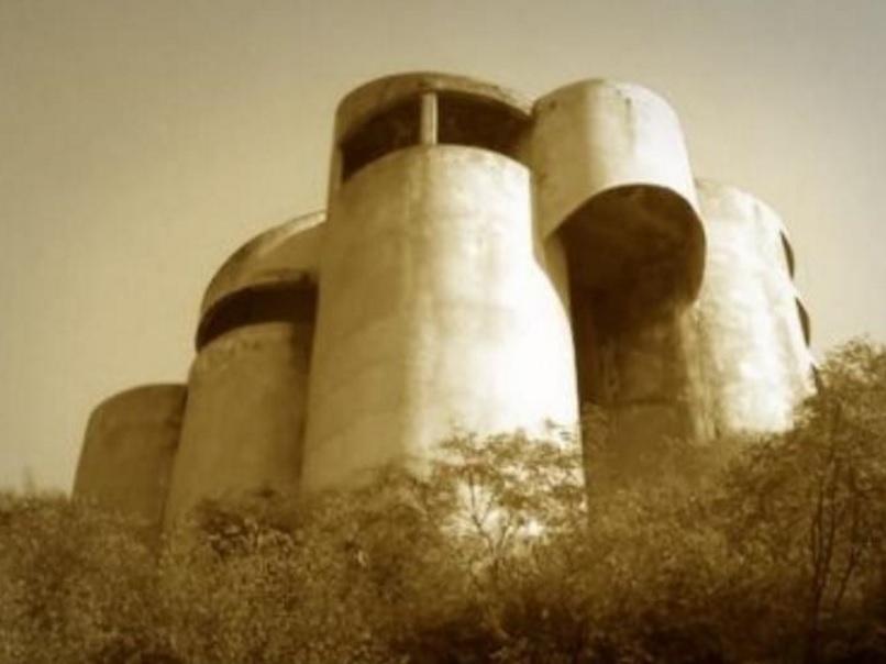 Derrumban la casa de los tubos termina la leyenda for Casa de los